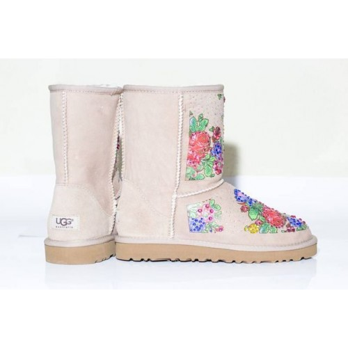 UGG CLASSIC SHORT FLOWER