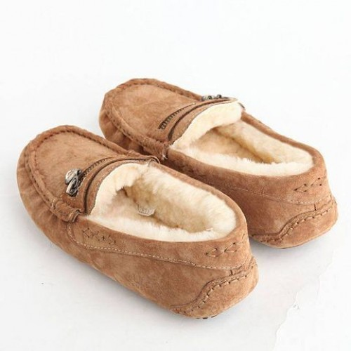UGG Dakota Zip Brown