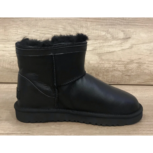UGG Classic Mini Zipper Leather Black