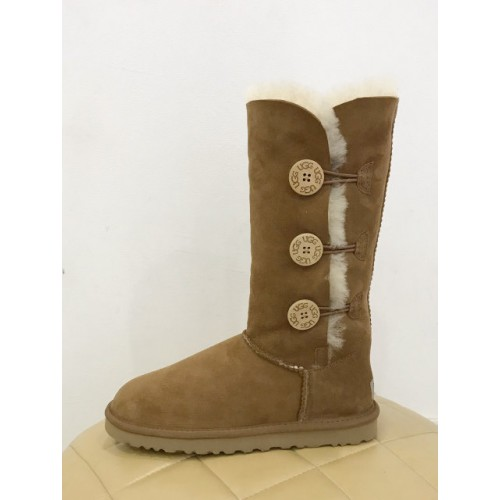 Купить UGG BAILEY BUTTON TRIPLET Chestnut в Украине