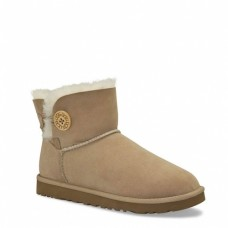 UGG Mini Bailey Button Sand II